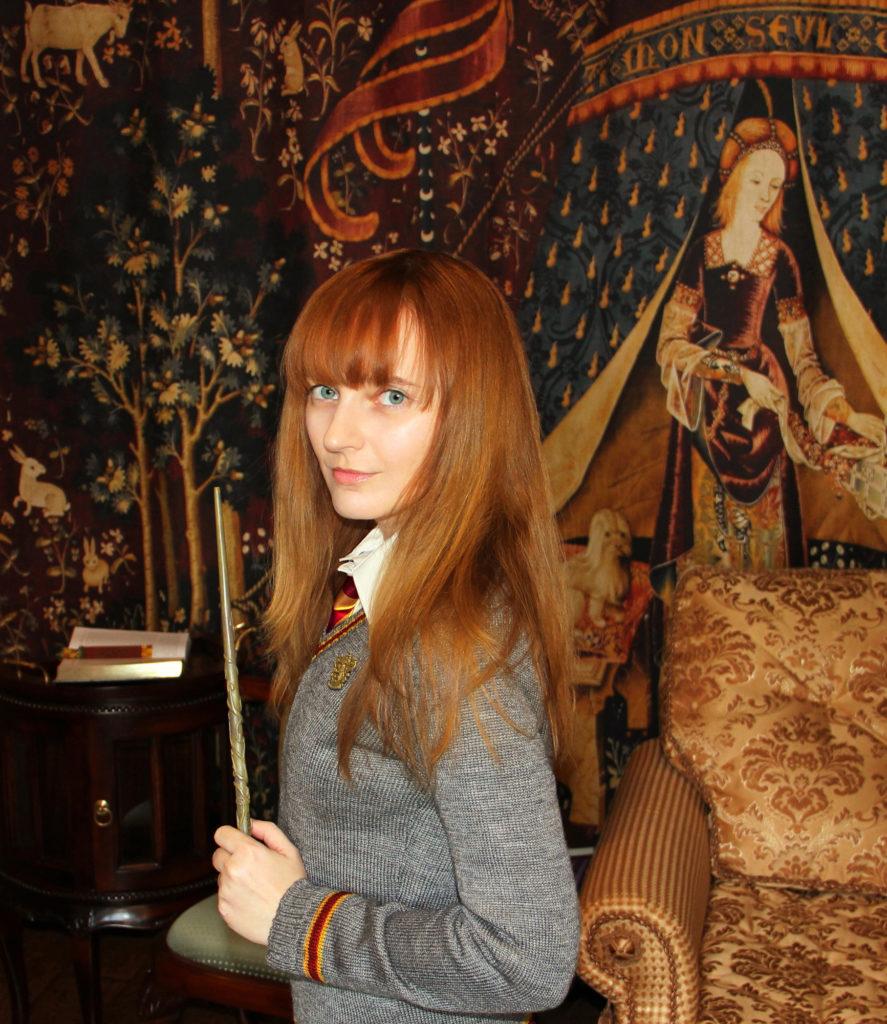 Лолита Быстрова с волшебной палочкой