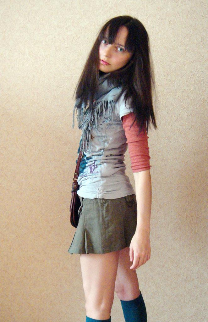 Лолита Быстрова с темными волосами