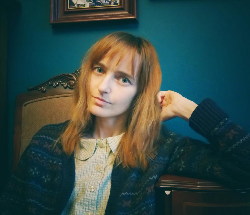 Лолита Быстрова домашнее фото в интерьере