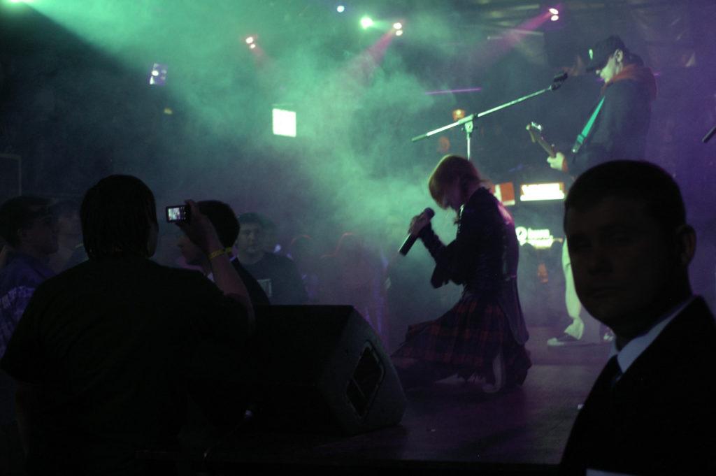 Лолита Быстрова выступает в Гауди арена