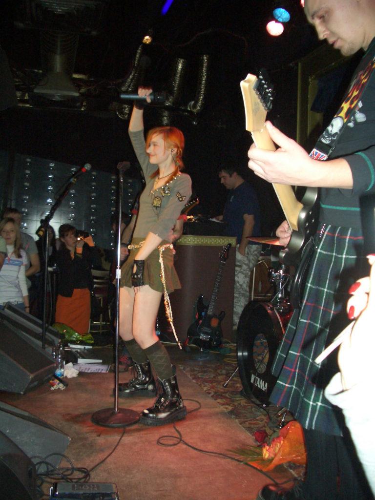 Лолита Быстрова на презентации в клубе 16 тонн