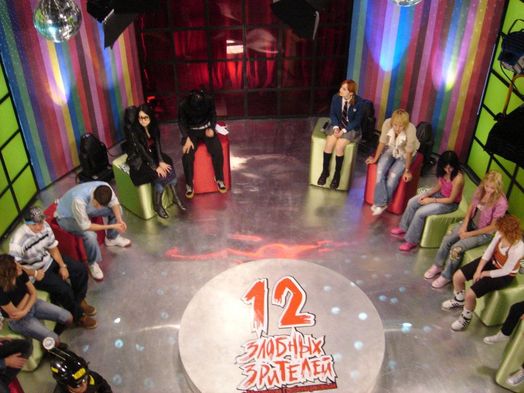 Лолита Быстрова на съемках 12 злобных зрителей